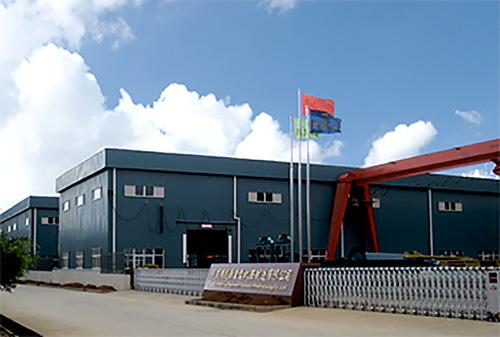 云南昆明滇重矿机的立式打砂机生产基地外景图